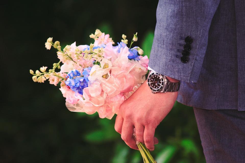 darite-zhenshchinam-cvety