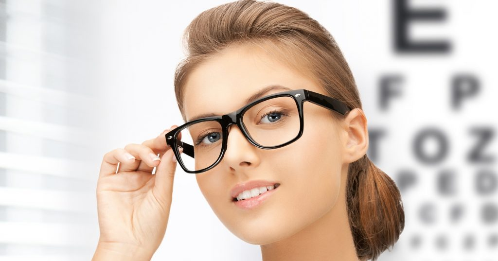 Очки или линзы: что лучше