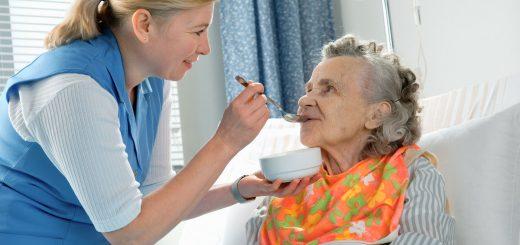 Как выбрать сиделку для больного человека?