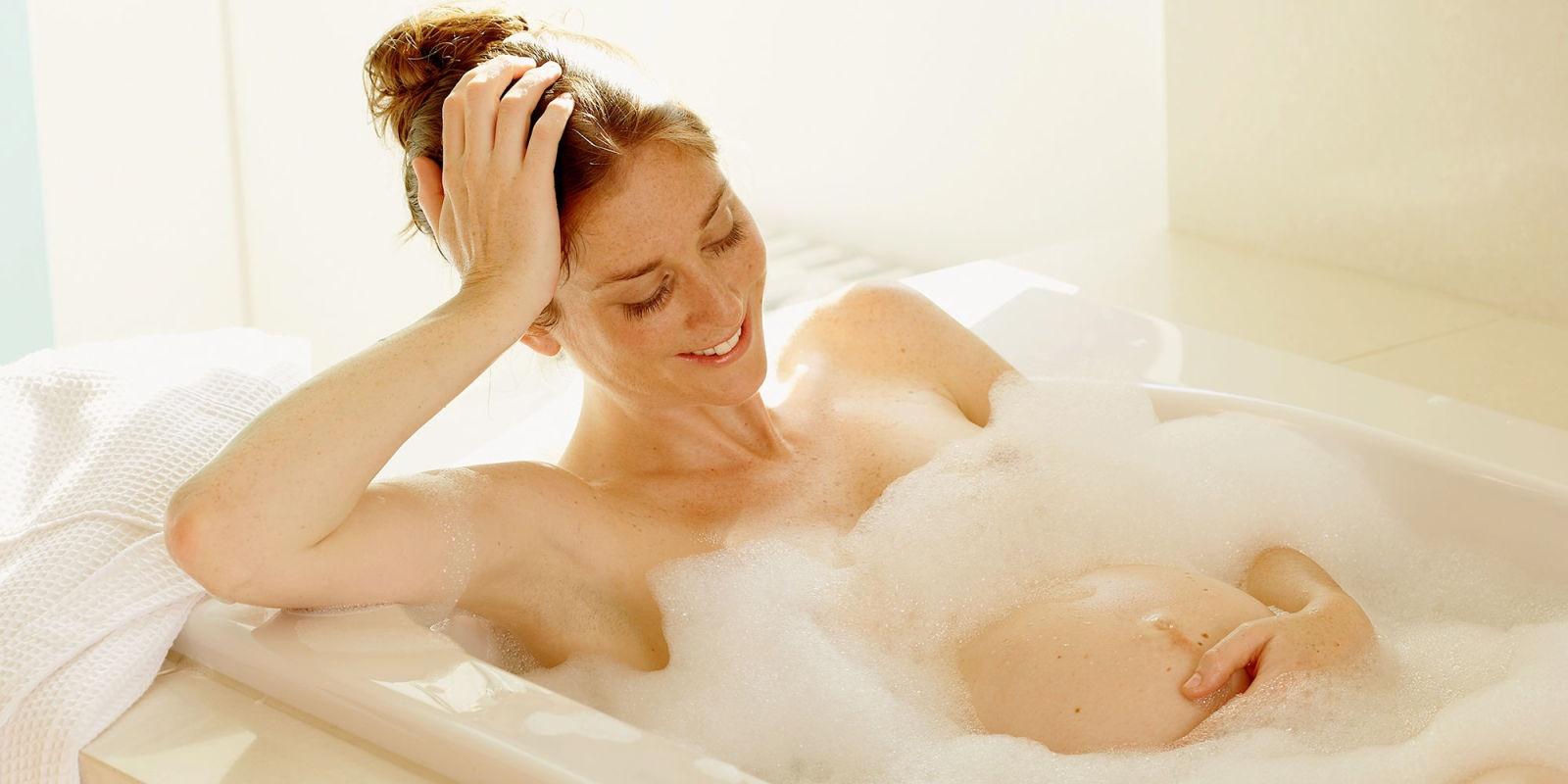 Как правильно принимать душ беременным 50