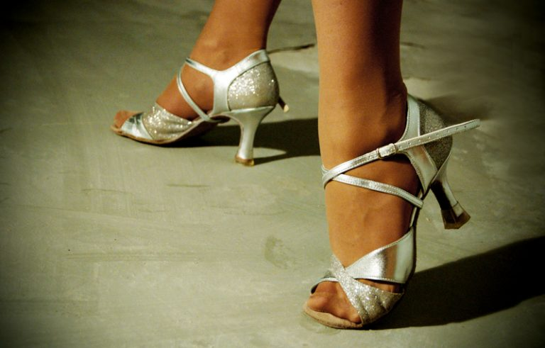 Подходящая обувь для танцев