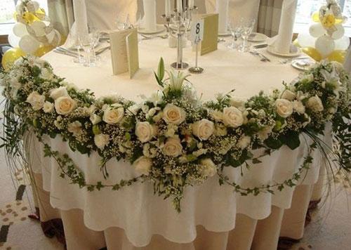 Как недорого и стильно оформить свадьбу живыми цветами?