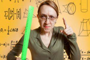 Как отомстить учительнице или сорвать урок (розыгрыши)
