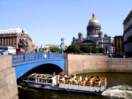 Круизы в Санкт-Петербург