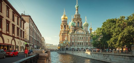 Петербург – «окно в Европу» или «окно в Россию»?