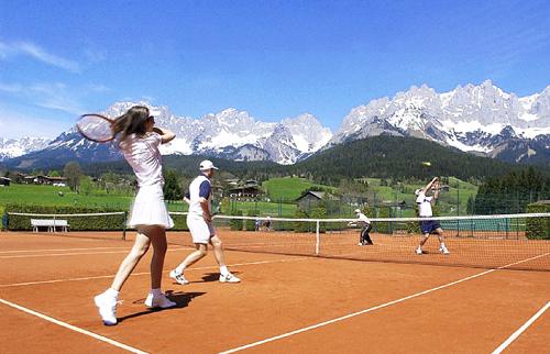Как выбрать кроссовки ребенку для большого тенниса?