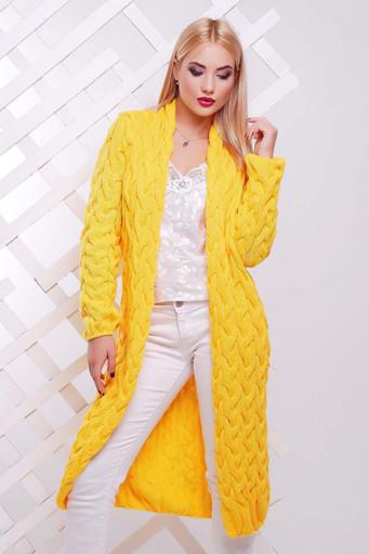 Джемпера желтого цвета в гардеробе